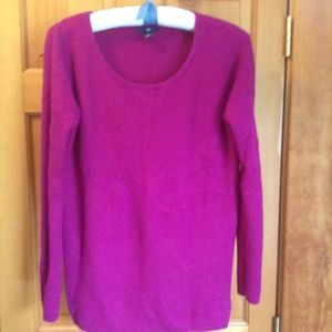 GAP berry purple ribbed sweater size M